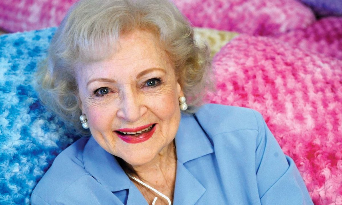 Happy 98th Birthday to the wonderful @BettyMWhite