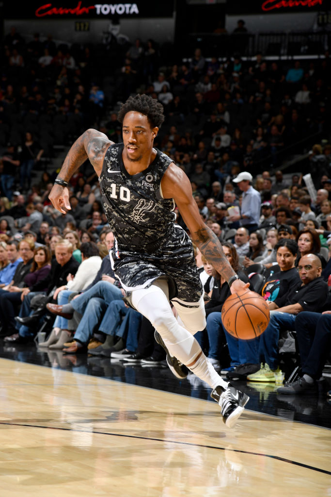 DeMar DeRozan has scored 20+ points and shot better than 50% in 13 straight games. Only 2 players have a longer streak since 1983:  - Shaquille O'Neal (25 straight games) - Giannis Antetokounmpo (14 straight games)