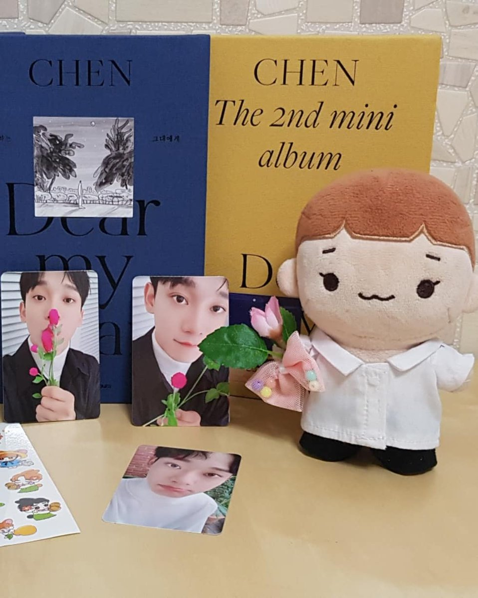 DMD giveaway!  - Two winners  - One random ver of DMD (pcs not included), ww shipping  + 1 set of postcards  To enter reply with proof of any: - blocking ex*lacecafe - voting for jd on sma - signing petition in reply  >> Ends Jan 22! #EXOLStandWith9  #하나란_그_말처럼_엑소9<br>http://pic.twitter.com/t0hrhKzSlt
