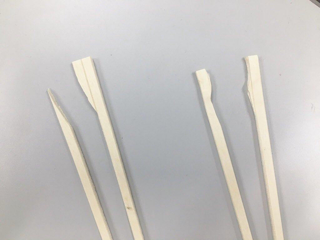 割り箸失敗してごはんが食べづらかったので、なんちゃんに新しく割ってもらいました🥢これもなかなか(・∀・)笑← つん  なんちゃん→