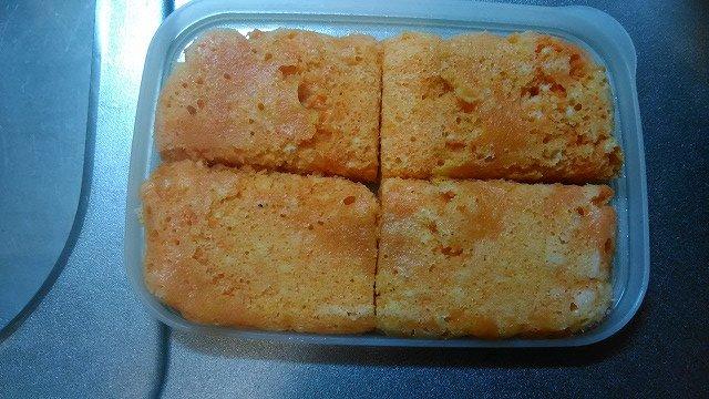 2本をすりおろして、ホットケーキミックスと牛乳を混ぜて蒸しパンに。ケーキより簡単で、油脂が入っていない分ヘルシー。