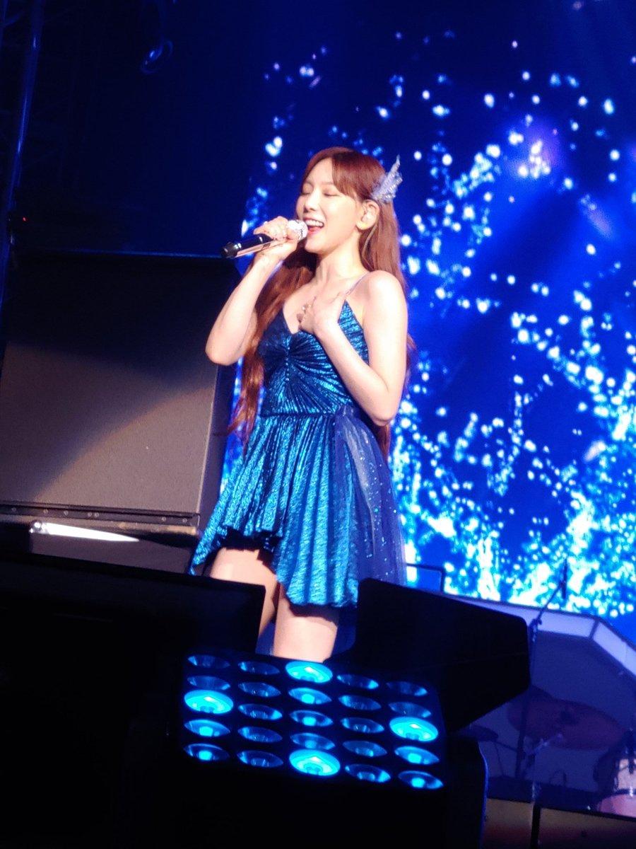 i love that dress???????
