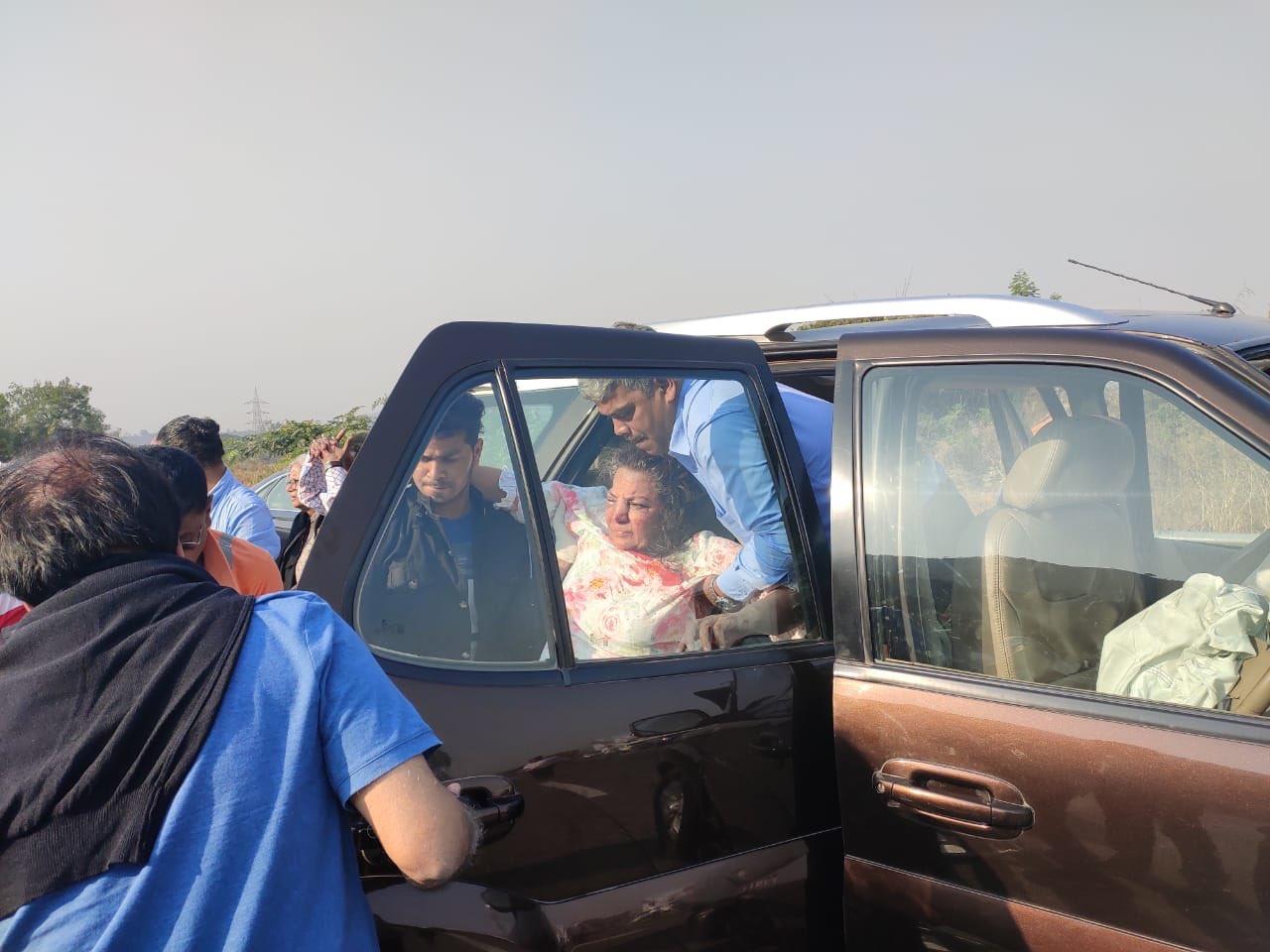 Shabana Azmi injured in car accident
