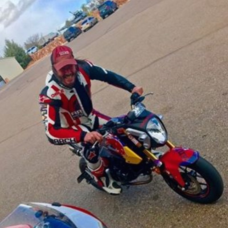 You know it doesn't matter how you get there, only that you get there and have some fun on your way through the weekend  Have fun lovers #keanureeves #bikelife #weekendvibes  photo credit to Dan Thomsen - Buttonwillow Raceway Park 4/19pic.twitter.com/fDI1VynRSs