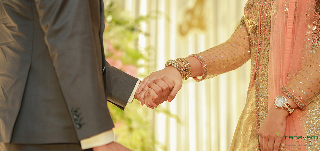 Holding hands, bond in love  Visit: http://www.pranayamweddings.com/  Call us: +91 9947058123  #holdinghands #perfectcouple #marriage #happiness #kerala #keralawedding #wedding #weddingstories #weddingdaypic.twitter.com/6QpC0NDlQM