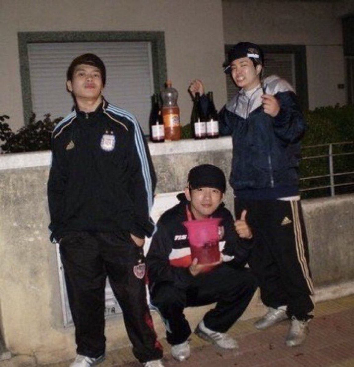 bringing back this photo of the non existent superior got7 unit <br>http://pic.twitter.com/UyVR3sujhi