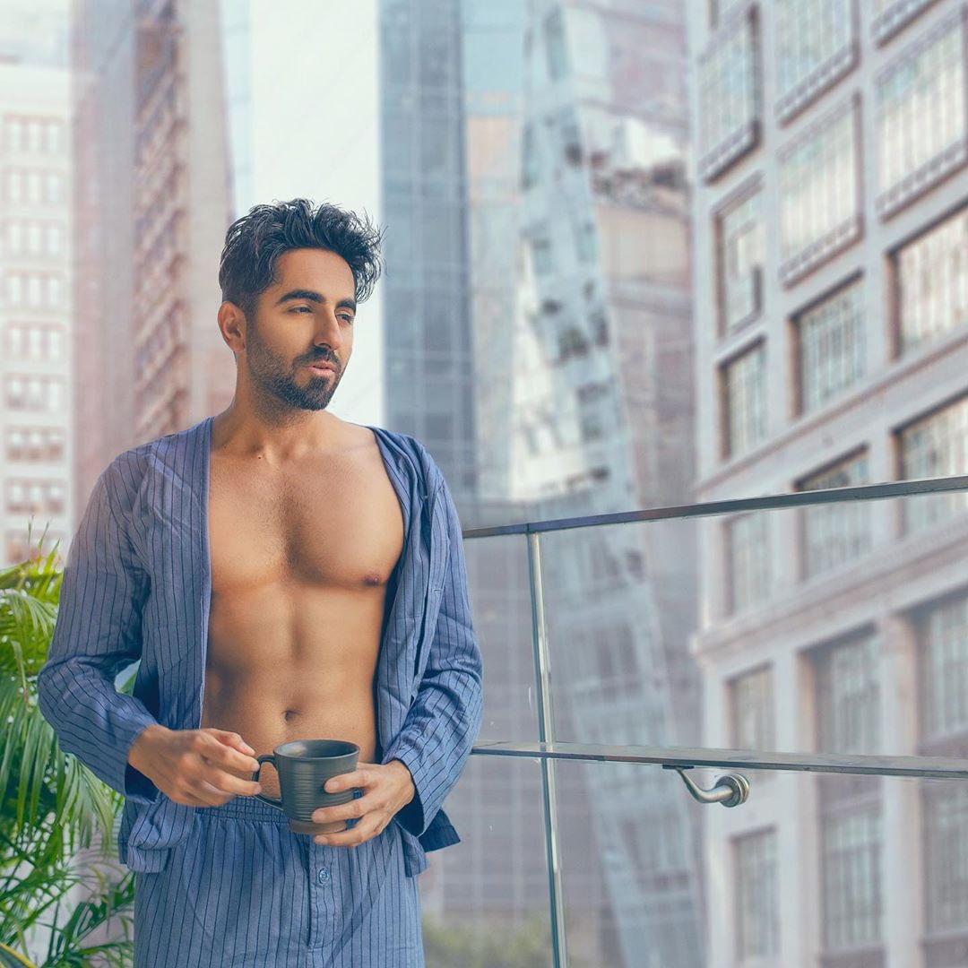 Good Morning @ayushmannk  . . . . #handsomemen #ayushmankhurana #bollykick #bollywoodhotness pic.twitter.com/3ManmNBEXS