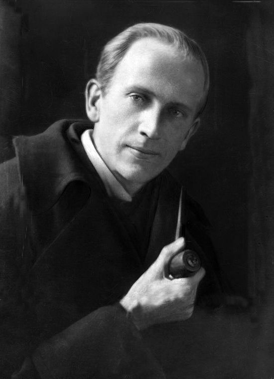 Winnie-the-Pooh author A. A. Milne was born in #London #OTD 1882 http://bit.ly/2w3MIIQ #winniethepoohday