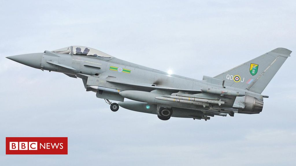 Claims sonic boom over London and Home Counties 'cracked' windows https://t.co/3pqfvlTHtQ https://t.co/fKlHevRNm9