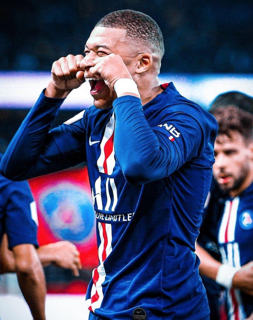 ⚽️ Goals scored at the age of 21:  🇦🇷 Agüero: 75 🇧🇷 Neymar: 72 🇺🇾 Suarez: 52 🇦🇷 Messi: 48 🇵🇹 Cristiano Ronaldo: 27 🇵🇱 Lewandowski: 21  🇫🇷 Mbappe: 105 (Including goals against Man United, Man City, Liverpool, Real Madrid, Dortmund).  Freak. 🔥