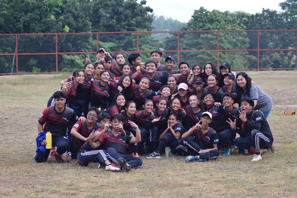 mga mukhang MAROONgis, pero malinis, from piglets in pink, to crimsons in maroon??  Last culminating with these peeps! So proud of garnet! Thank you for always doing your best and always exceeding each other's expectations! softballers# melers# marooners# s3# rushjersey# pic.twitter.com/cI40ZkwxMZ