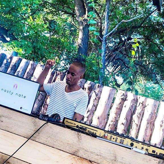The Beach Is Calling & I will answer. Catch me at Kidimbwi Beach today from 3 to 7pm, with the brotha @DjKidylax taking you into the night thereafter. Come thru! #kidimbwibeach #nastynatetz #TheClappingDJ #deephouse #soulfulhouse #afrohouse  #amapiano #housemusicpic.twitter.com/AYokjaTZCr