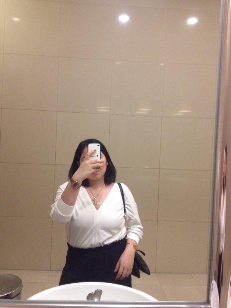 mandatory mirror selfie 🤗