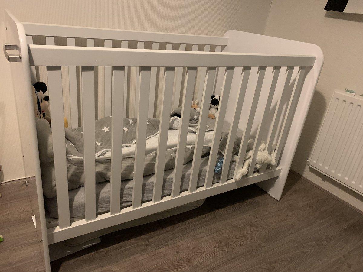 Ik verkoop deze; hier liefhebbers? @IKEANederland Minnen kinder meegroei bed en prachtig stevig kinderbedje/babyledikant #zwanger #mamatobe #mama #tekoop #tweedehands #marktplaats
