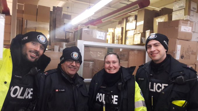Thank you to all community volunteers, Toronto Police Officers, and Auxiliary Officers for working together today to to pack 3,000 winter survival kits and load for distribution to homeless on the street by 150 social service agencies throughout the GTA #ProjectWinterSurvival ^sm