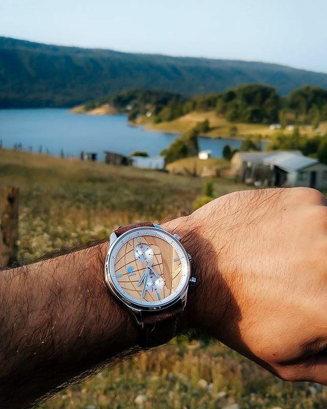 Desde el lago Icalma en La Araucanía con un Castor Viajero . Ven por el tuyo en http://www.castor-watches.com,  envío gratis a todo #chile #castorwatches #castorviajero #diseñochileno #relojes #reloj #relojdemadera #watches #watch #watchesofinstagram #watchnerd #watchphotography … pic.twitter.com/n95FJYhz2k