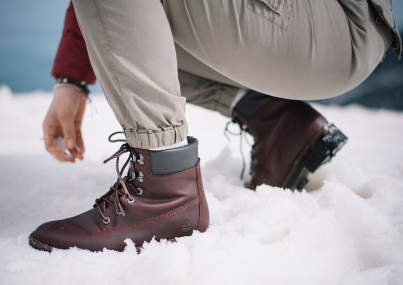 Winter boots are warm and comfortable shoes designed to move in the snow and ice more details : http://bit.ly/2RjKWhy  #winterboots #bestwinterboots #winter #boots #snowboots #womenssnowboots #womenwinterboots #wintershoes #menswinterboots #IsmartFashions @ismartfashionspic.twitter.com/ONvYbwof61