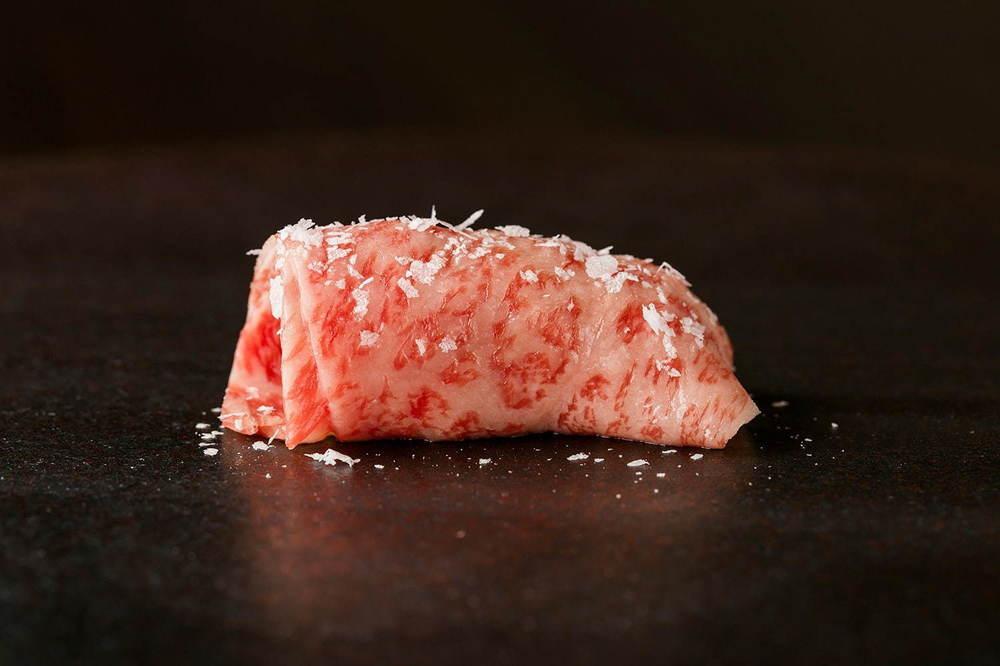 "KINTAN新業態「牛肉寿司きんたん」銀座に、""霜降りサーロイン""など30種の和牛寿司 -"