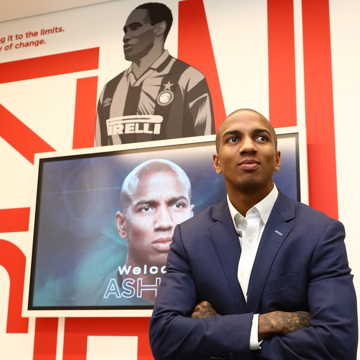 New English player at Inter!   Ashley Young starts adventure in Milan     #UEL