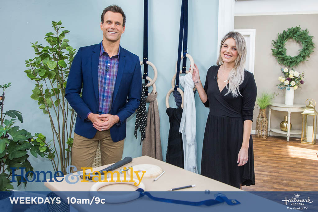 .@alifedotowsky puts your favorite scarves on display with style! See how TUESDAY at 10am/9c on @hallmarkchannel.
