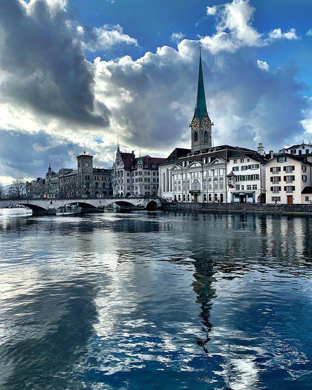 Today! #spiegelung #reflex #hellozurich #mirror #reflection #zurich #switzerland #photography #zürich #zurich_switzerland #visitzurich #zhwelt #visitswitzerland #swiss #inlovewithswitzerland #hellozurich  #myswitzerland #schweiz #blickheimat #dasischzüri… https://ift.tt/2RqPgLQpic.twitter.com/4BZUG5RgxC
