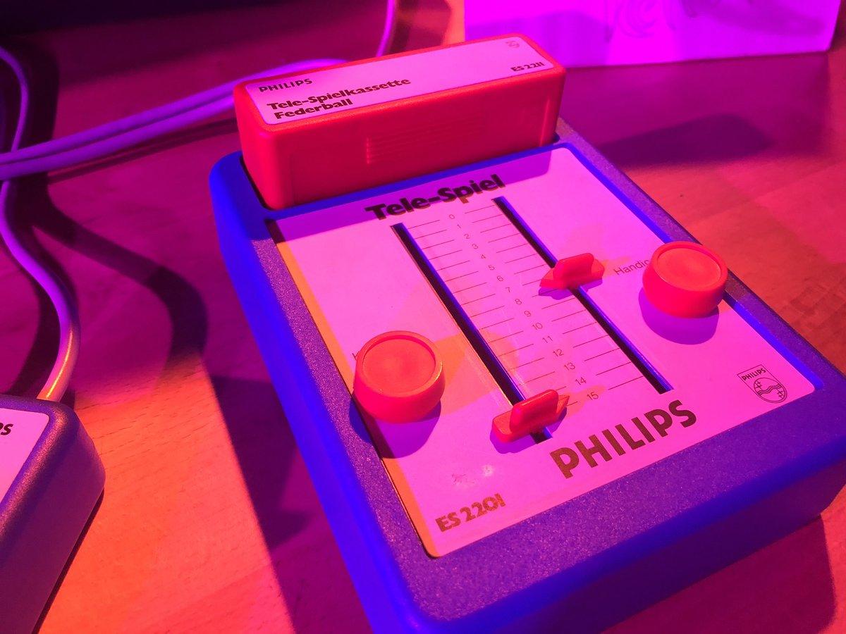 Das brauche ich für meine Sammlung - geiles Teil #retronom #arcadebar pic.twitter.com/s18XKhINXf
