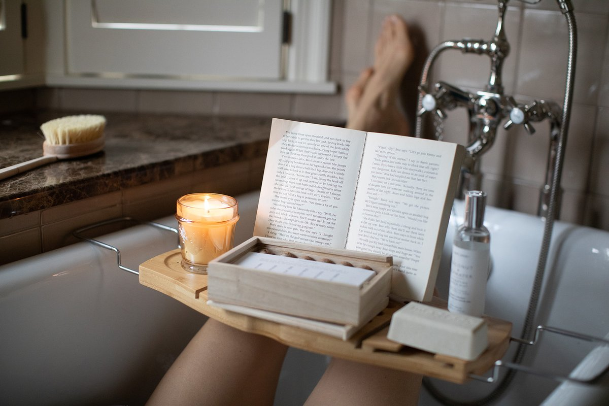 Nothing like starting off the weekend with a relaxing bath and a good book! Just add your favorite Mer-Sea scent and it's heavenly. #thehappynow #flashesofdelight #merseaco #mersea #feelingmerci #travelgirl #merseamoment #wonderlust #sheisnotlost #seekthesimplicity #exploremorepic.twitter.com/GRMfOXiqZa