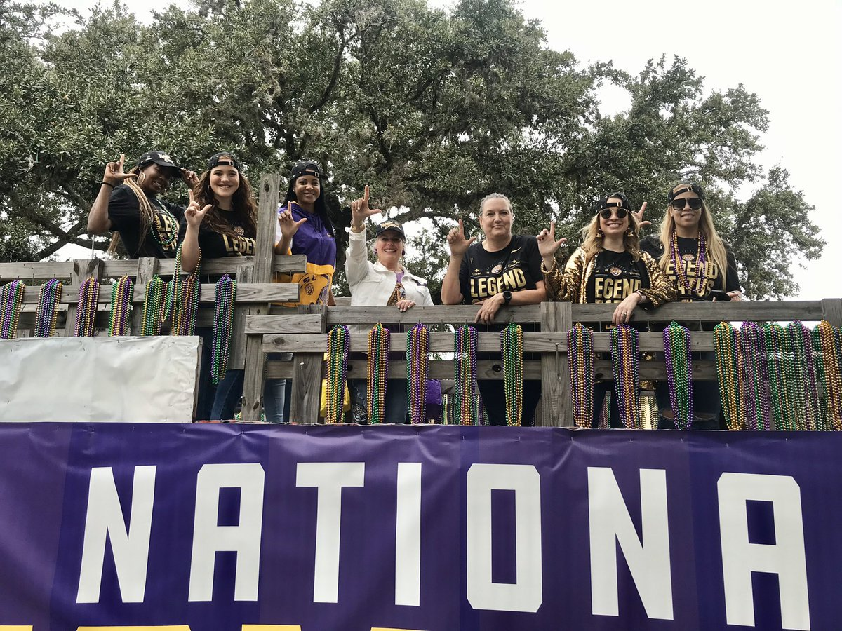 #WeComin 🐯 The National Championship parade is about to roll through campus! #LSU
