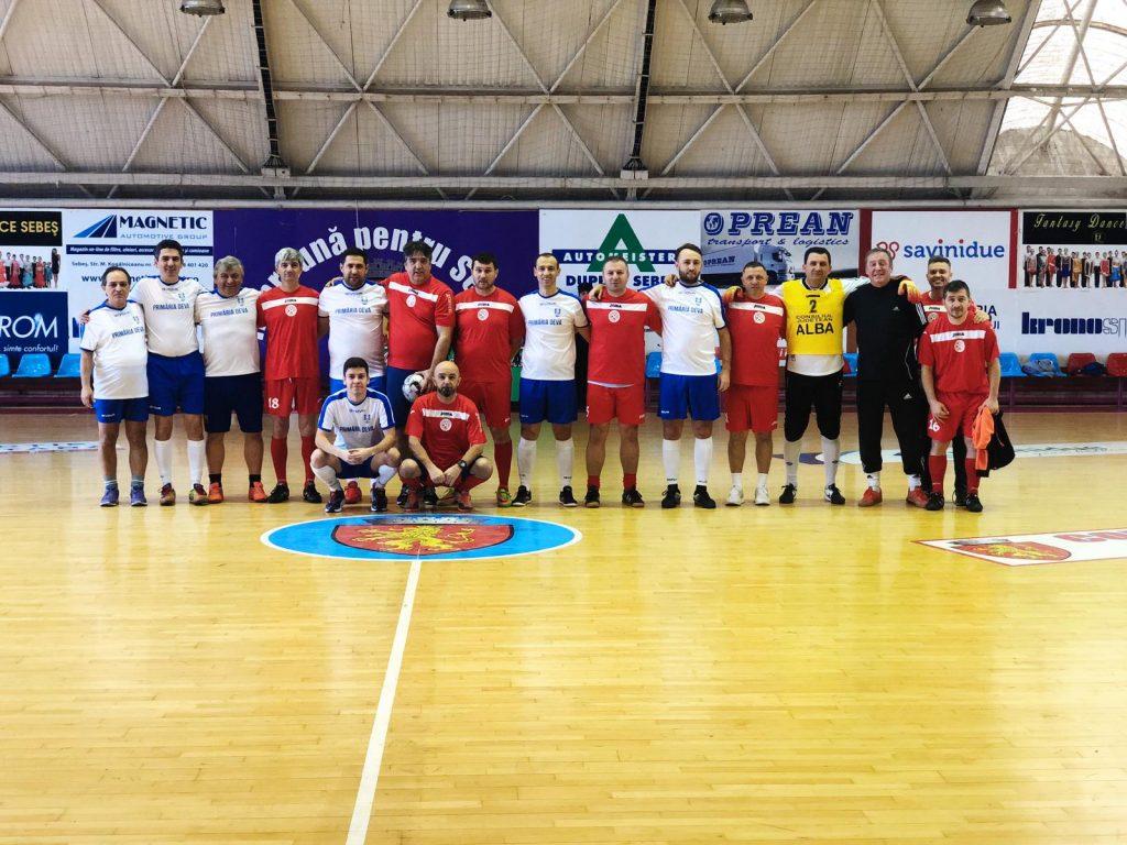 FOTO-VIDEO: Prietenie dar şi ambiţii în ziua de fotbal în sală de la Sebeş - https://www.absport.ro/principale/foto-video-prietenie-dar-si-ambitii-in-ziua-de-fotbal-in-sala-de-la-sebes/…pic.twitter.com/wdZF3BoUAP