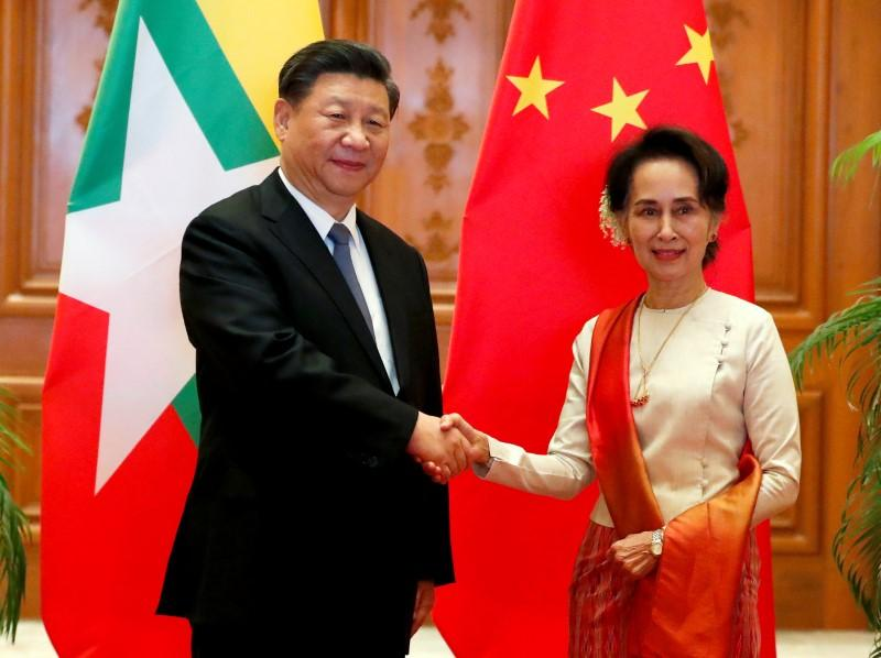 Myanmar, China ink deals to accelerate Belt and Road as Xi courts an isolated Suu Kyi https://uk.reuters.com/article/uk-myanmar-china-idUKKBN1ZH052?taid=5e23406391648c00012ac6be&utm_campaign=trueAnthem%3A+Trending+Content&utm_medium=trueAnthem&utm_source=twitter…