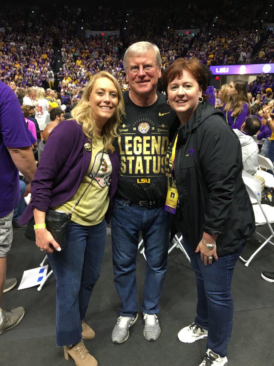 Burrow parents. Bunnie Cannon. Heisman families!! #LSU 🏈 #NattyChamps