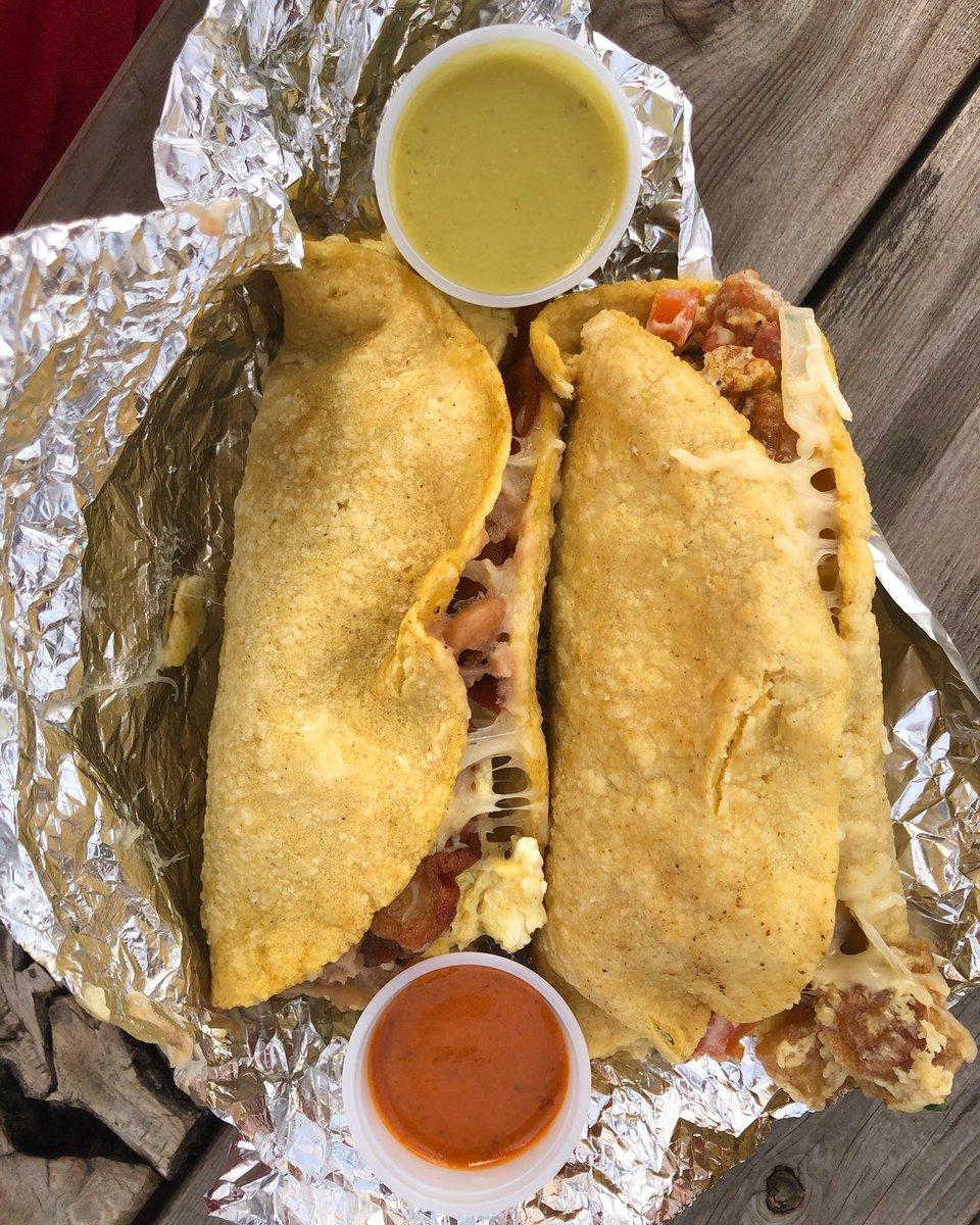 2x2 Breakfast tacos con Chicharrones, salsas Roja y Verde, A HUEVO! @ Granny's Taco Trailer  . . #tacos #texas #taco #tacolife #tacosofinstagram #atxfoodie #atxeats #tacosruleeverythingaroundmepic.twitter.com/o0gk4vSr1b – at Granny's Tacos