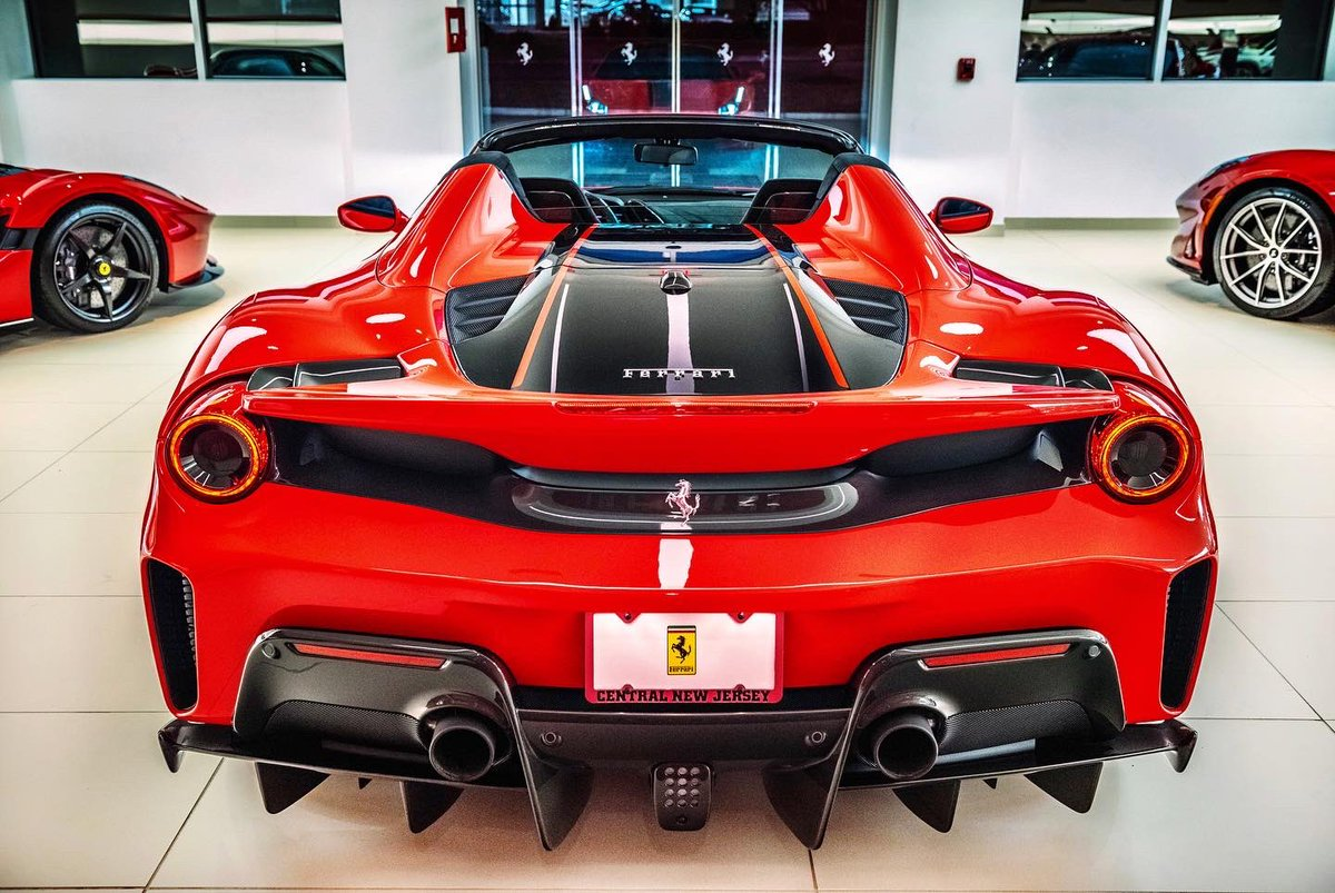 Ferrari Cnj On Twitter Warm Up This Cold Snowy Day With The Red Hot Ferrari 488 Pista Spider