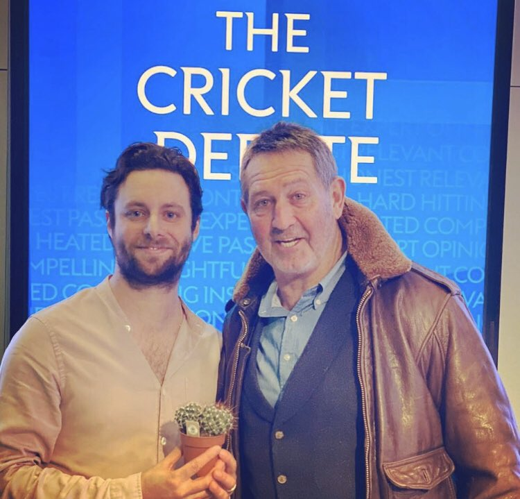 A genuine huge thank you to @SkyCricket for having me on the debate with Graham Gooch. I thought it was worth getting the batting jacket blessed while I was there. #tailendersoftheworlduniteandtakeover<br>http://pic.twitter.com/Z744xu9OxN