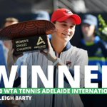 Image for the Tweet beginning: Australia's #ashleigh Barty reassured herself