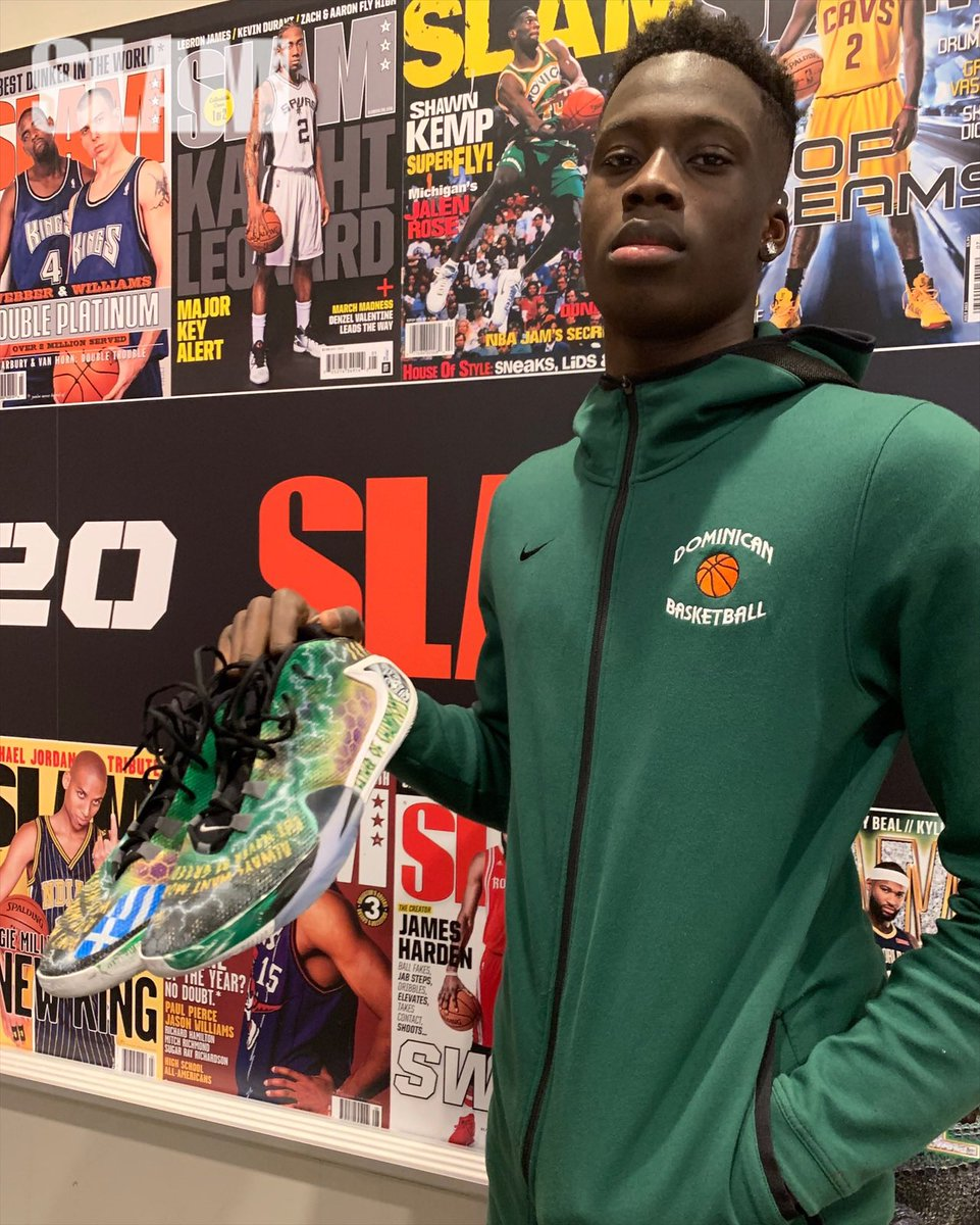 """""""Father of Champions.""""   Alex Antetokounmpo's custom Freak 1s are a tribute to his father. <br>http://pic.twitter.com/OZQlTmAW3E"""