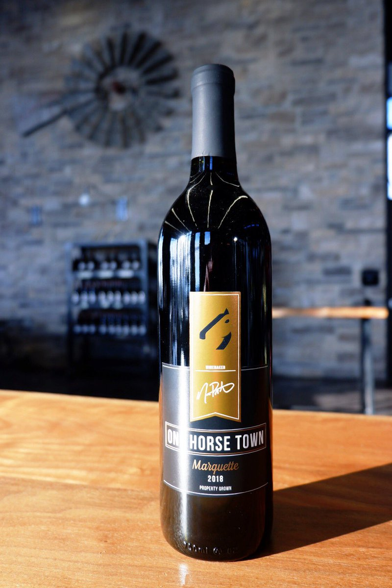 Free shipping on onlineorders of $60 or more for the month of January! #bredfortaste #ontariowine #vqa #shoplocalraleigh pic.twitter.com/BhRz1gQOQa