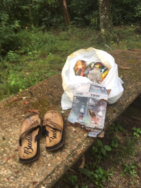 Bob Cowdrick is at Coker Creek Falls cleaning the trails and making this earth a little cleaner. Make sure to get out there and do your part pack. #cleantrails #optoutside #keepitwild pic.twitter.com/Wik3Z9X24l