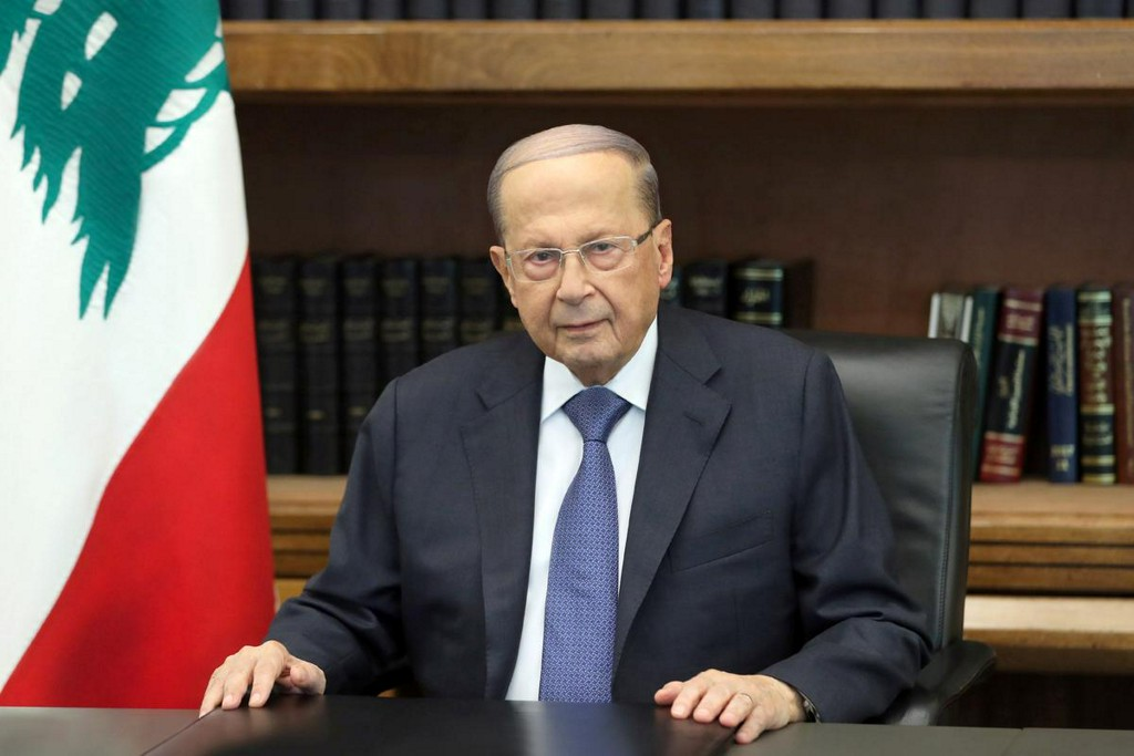 Lebanon's president asks army, security chiefs to restore calm in Beirut https://reut.rs/2G4JR7O