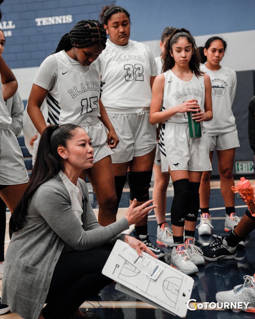 Good luck to Coach @iamkomaki & @sierracanyongbb as they seek their 6th straight W tonight! #GoCoach #GoTeam #SaturdayNightLights  . @gotourneyinc #gotourney . . . . #HoopCulture #basketballphotography #ball4life #ballhandling #basketballgames #basketballtime #Thisiswhyweplaypic.twitter.com/LHKab7Re8o