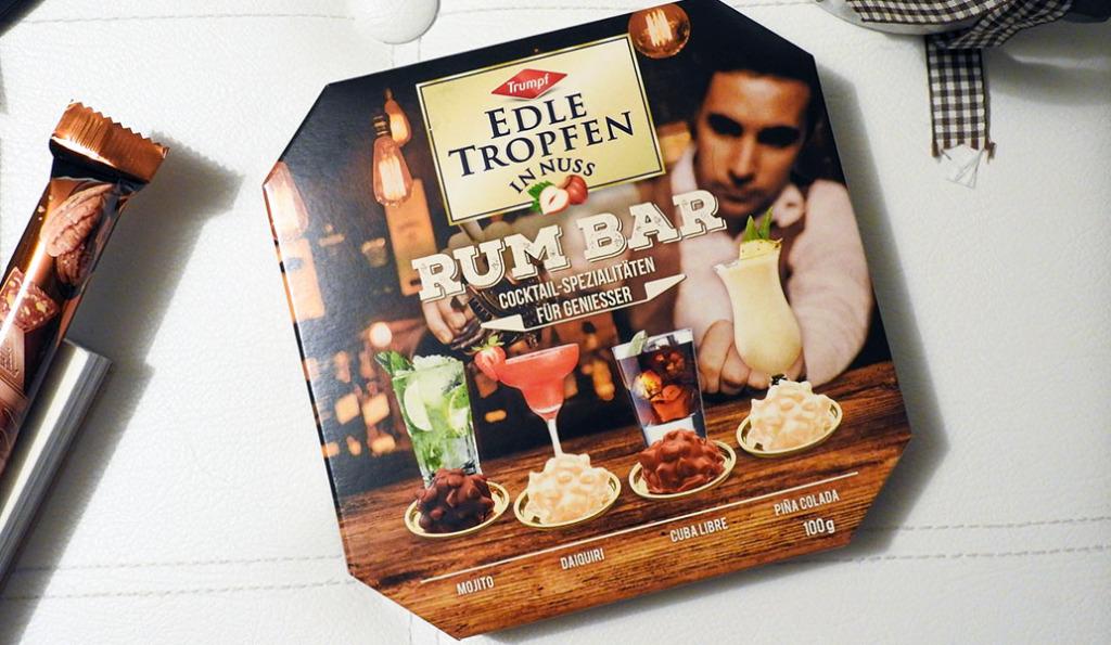 [Werbung] Probiert --> Trumpf Edle Tropfen in Nuss Rum Bar #LimitedEdition - Flüssig gefüllt Alkohol #Pralinen + Milch- & weißer #Schokolade + #Haselnuss Stückchen #Mojito #Daiquiri #CubaLibre #PinaColada #Rum #Produkttest http://blackedgold.wordpress.de/2020/01/18/trumpf-edle-tropfen-in-nuss-rum-bar/…pic.twitter.com/Ehj8iBBOYV