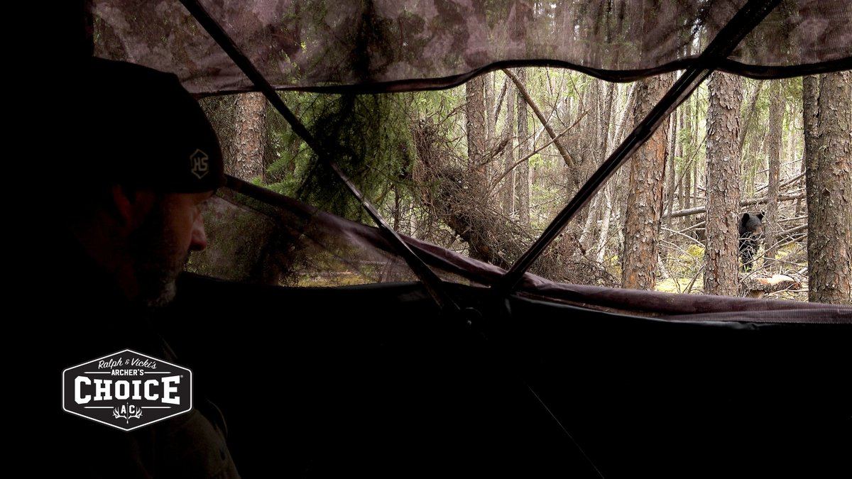 We can't wait for warmer temps & chasing spring bears from the ground in our Muddy Outdoors blind. Would you hunt bears from the ground? #RalphandVicki #adrenalinerush pic.twitter.com/5UIbsFgLh1