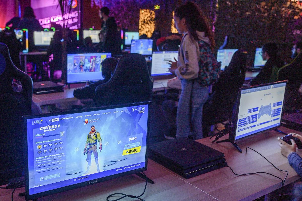 test Twitter Media - Fortnite's overall revenue slipped in 2019, but it was still the biggest earner of the year: #ai #deeplearning #iot HT: @Mikequindazzi https://t.co/wTLpKPKW76 https://t.co/1SUUTlRhOp