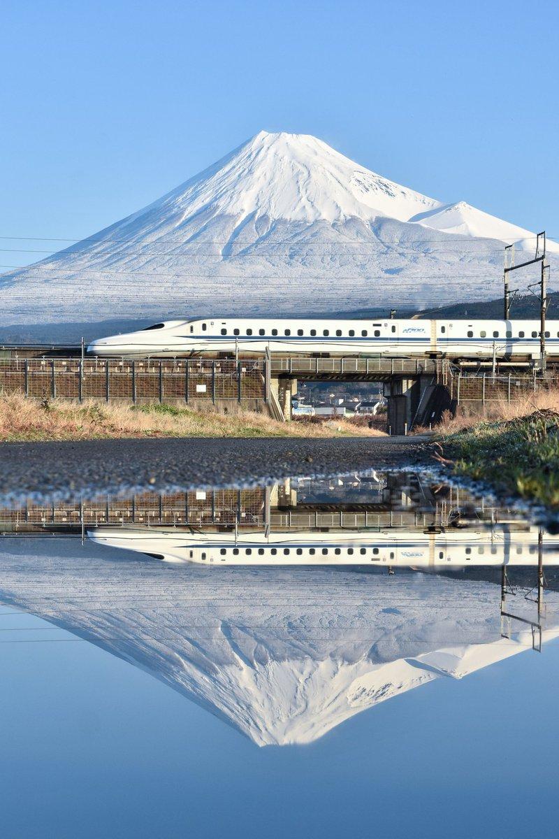 2020.01.19今朝は、雨上がりのきれいな富士山でした。#今日の富士山と新幹線