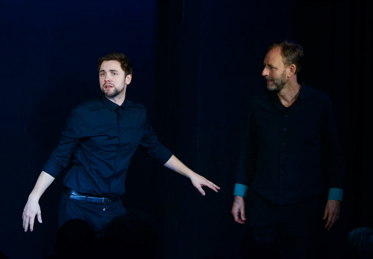 #IckUndBerlin @DieGorillas #Samstag #Wochenende #Theater #Lachen #Impro #Spontan #BrandenburgerTor #NurEinBisschenDrogen #ClubInSchöneweide #UngeheuerNeukölln #SoEineKleineVilla #deutschebahn #ankommen #hängengeblieben #malUrlaub #UllrichAmZoo #Ulle #Melonen #WasDazuVerdienenpic.twitter.com/4bhQLgirPZ