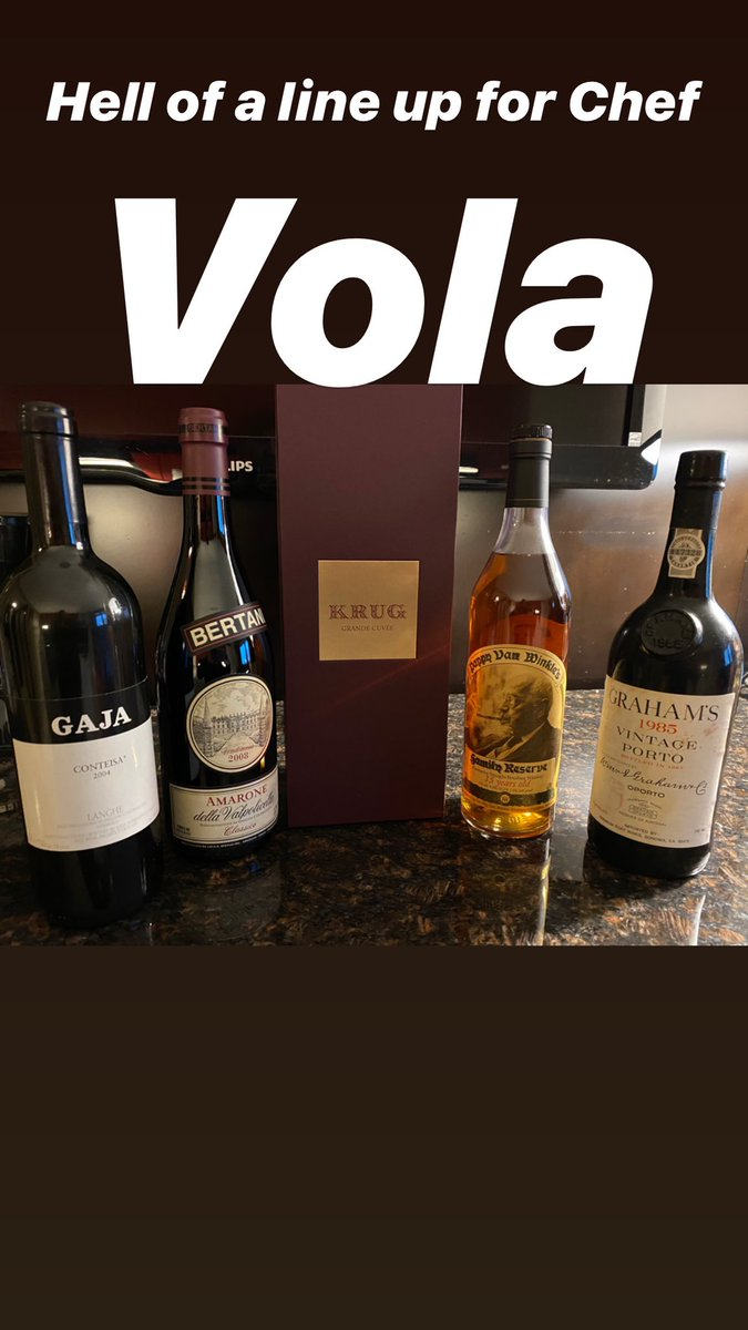 Snow and Rain, but nabbed a table at Chef Vola and bringing in the big guns for the boys! pic.twitter.com/MD7vxZQM98
