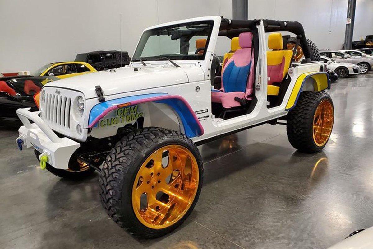 Not your ordinary Wrangler, customized @Jeep on stunning @forgiato #wheels.pic.twitter.com/1P3TOn0SEn