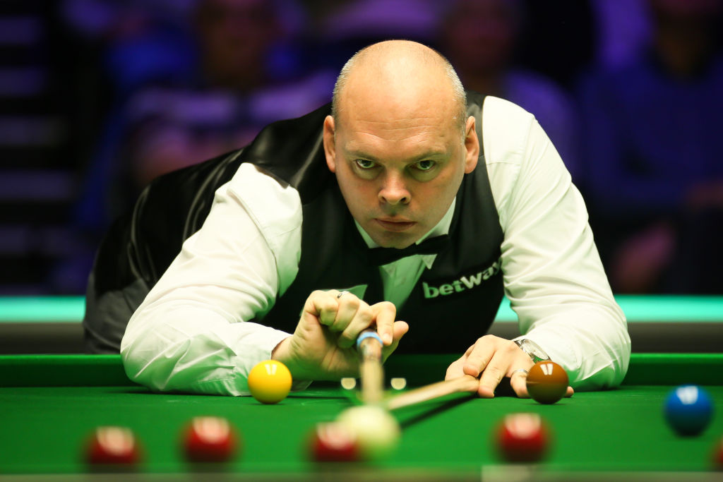 A new name on the trophy is guaranteed 🏆Stuart Bingham beats David Gilbert 6-2 to set up Masters final against Ali Carter.Reaction: https://bbc.in/38mjCFY  #bbcsnooker