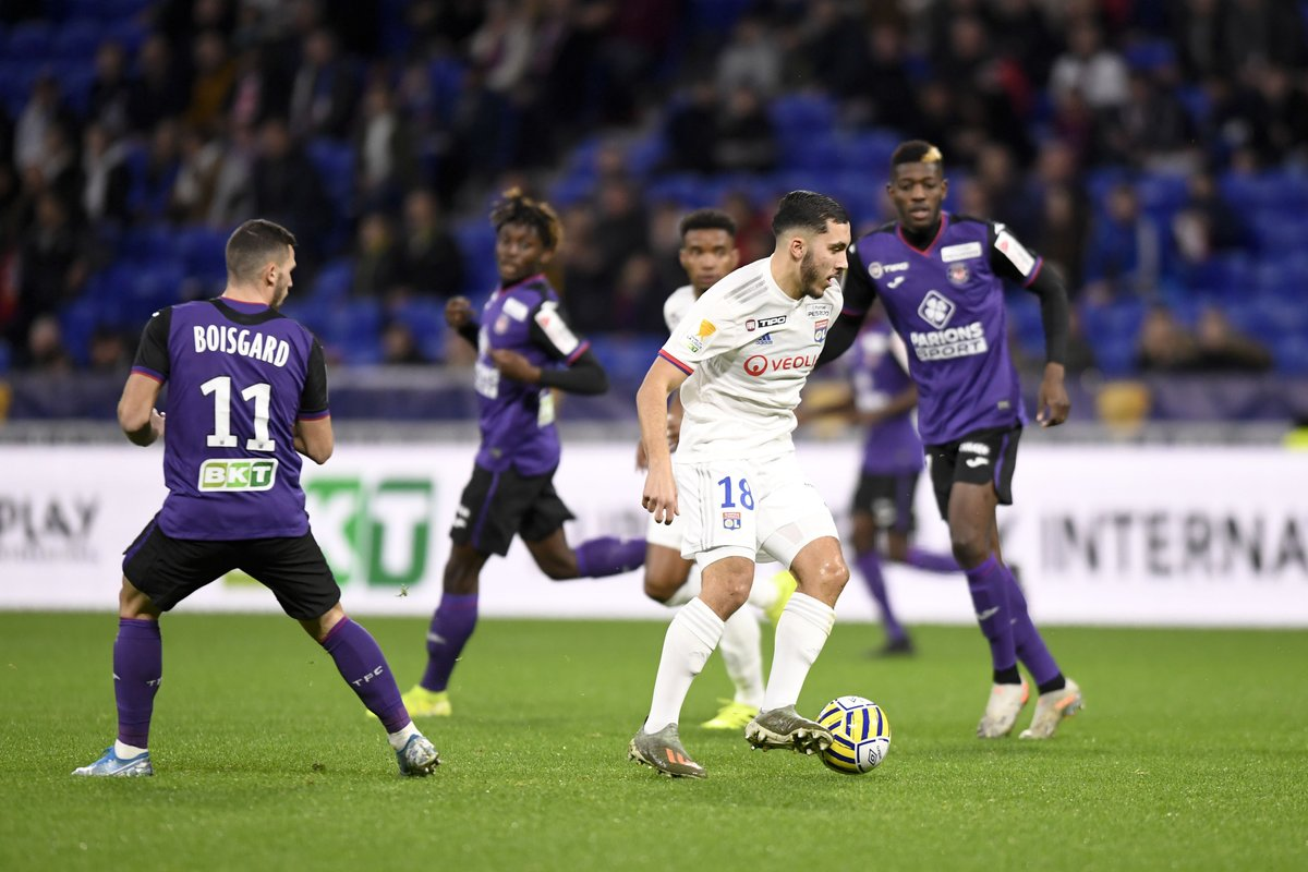 Rayan Cherki scored two goals as Lyon beat Nantes 4-3 in the Coupe de France.  He's 16 years old.  <br>http://pic.twitter.com/MAWc10JXdj