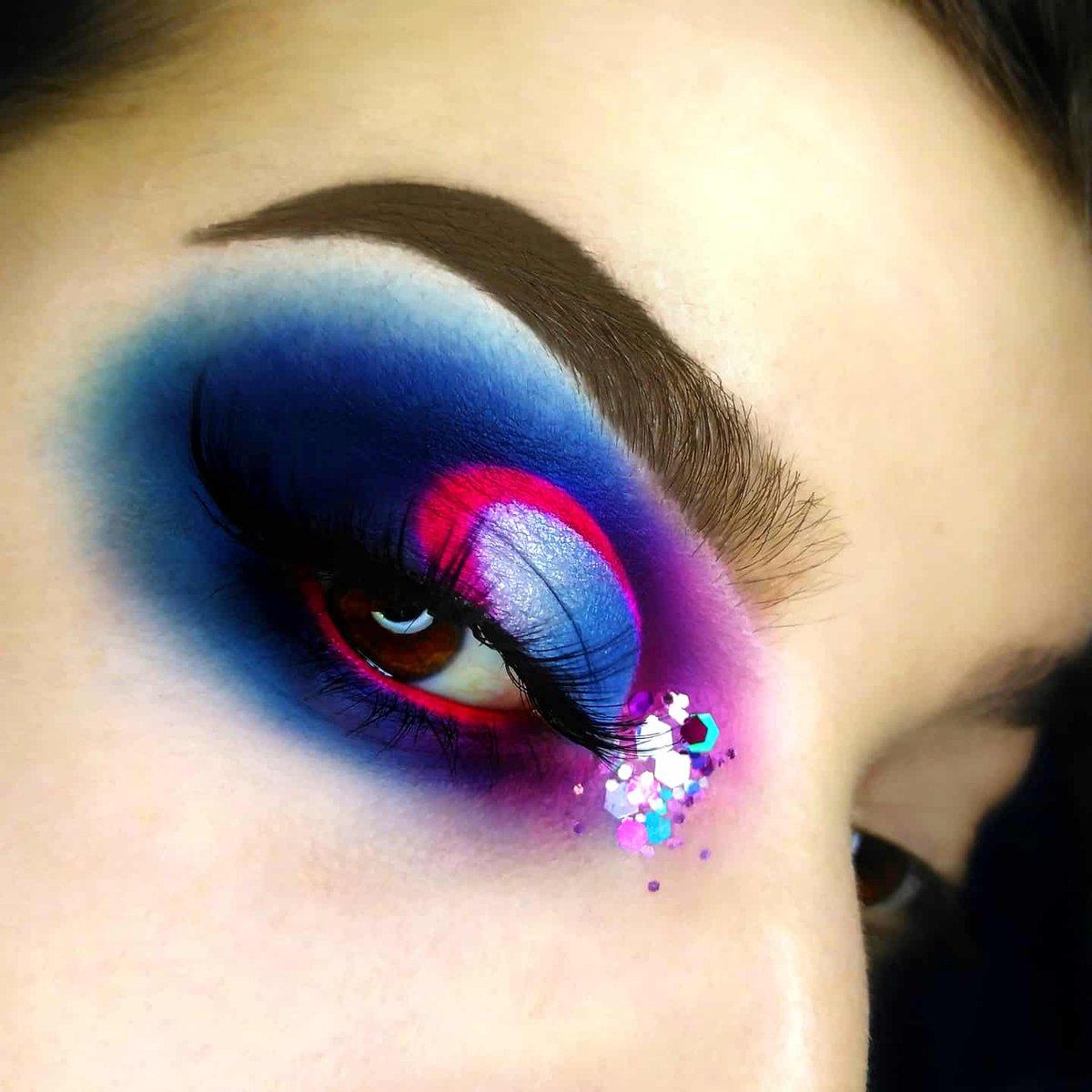 @ColourPopCo Blue moon palette @bperfectcosm Carnival xl Pro palette @Laroc_Cosmetics Pro Artistry book @plouise14 base 0.5 @JeffreeStar Artistry palette @MorpheBrushes x @jamescharles Artistry palette #morphebabe #JeffreeStarCosmetics #jeffreestarprlist #colourpopgivesbackpic.twitter.com/WFx1flIRuu